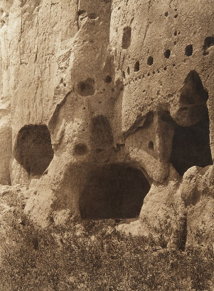 Cave-dwellings at Puye (The North American Indian, v. XVII. Norwood, MA, The Plimpton Press,  1926)