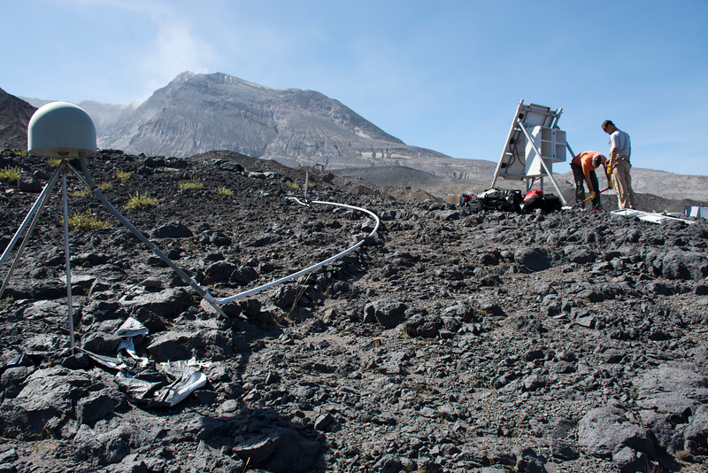 Annual PBO GPS maintenance at Mount St. Helens. September 12, 2014. (Photo/Beth Bartel)