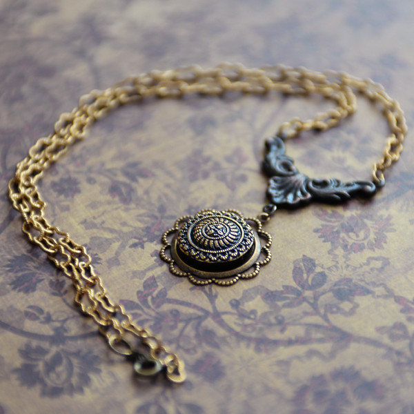 handmade vintage style necklace black and gold czech cabochon
