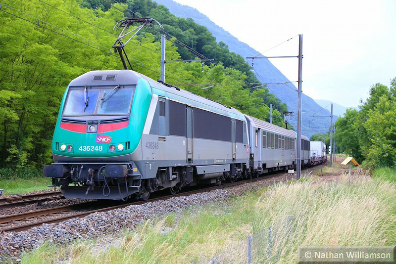 436348 passes Argentine on a rolling road train from Italy<br /> <br /> 10/06/14