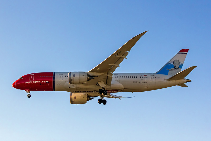 Norwegian Airlines, EI-LNB, Boeing 787-8 Dreamliner, msn 35305, Photo by John A Miller, LAX, Image PA001LAJM
