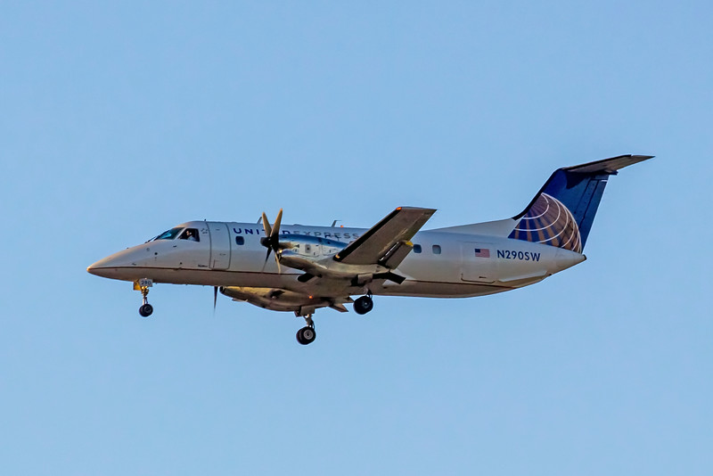 United Express, N290SW, EMB-120ER Brasilia, msn 120317, Photo by John A Miller, LAX, Image NN011LAJM