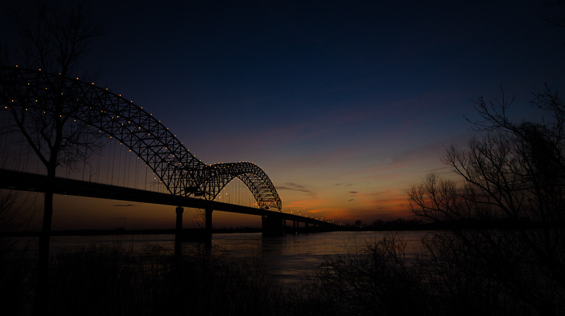 Hernando Desoto Bridge