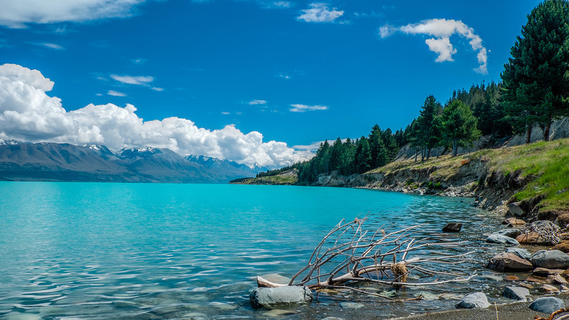 Lake Tekapo turquiose waters