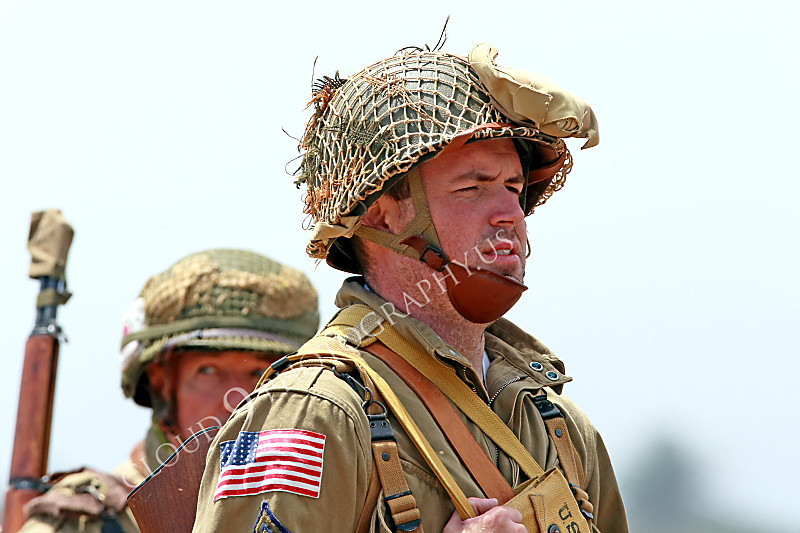 HR-USAWWIIP 00090 Marching WWII US Army Airborne paratroopers, historical re-enactor picture by Peter J Mancus