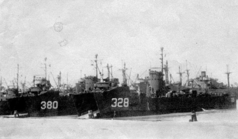 Invasion Landing World War II,380,Salvage Chief,Bow Open Unloading Equipment,
