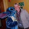 186 Linda gets kiss from Stitch
