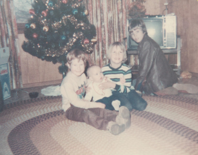 LR-EDIT-1976_christmas_chad_shane_mike_baby