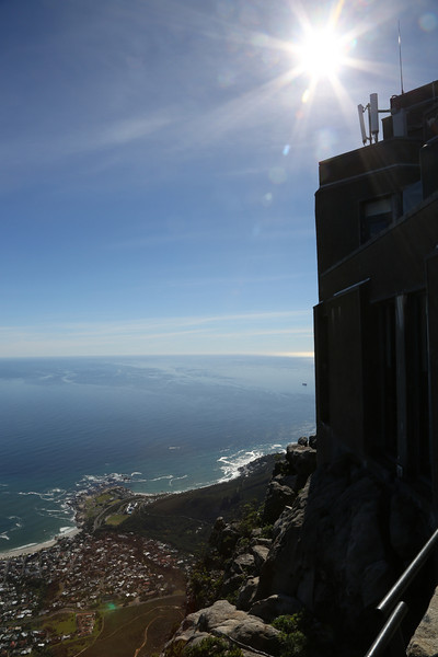 Capetown - Top of Table Mountain - Sun and Cable Car Top Station