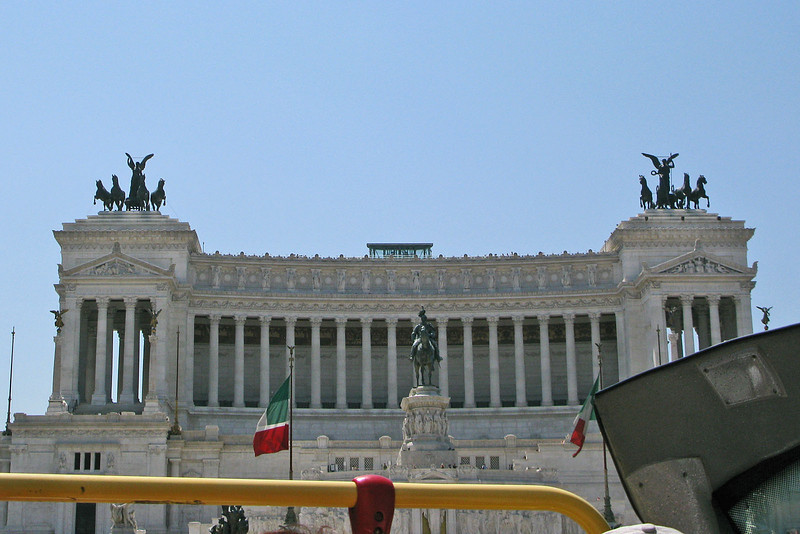 IMG_2767 Il Vittoriano from bus, Rome, 17 July 2010 SM