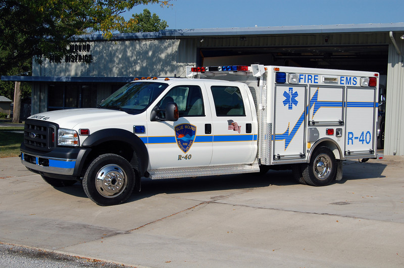 RESCUE 40   FORD F-450 - PIERCE   BILL FRICKER PHOTO