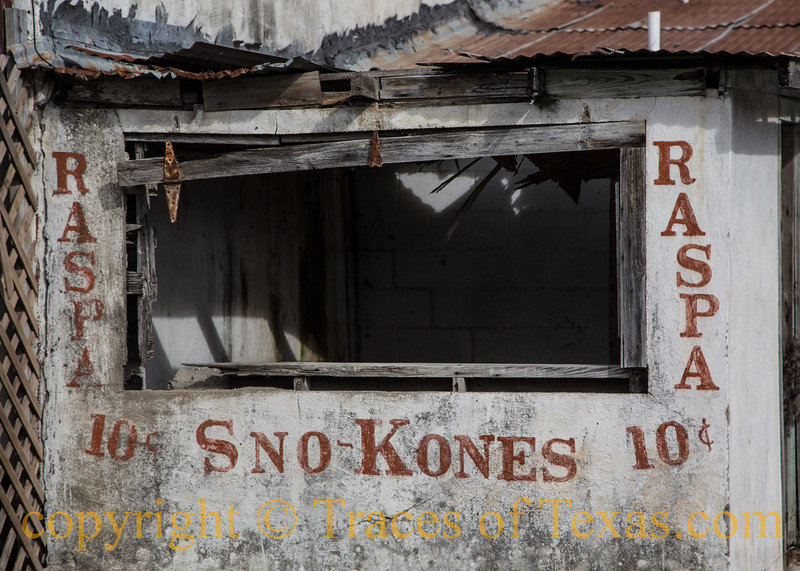 Title: Sno Kones 10 cents  Comments: Can you imagine what the scene was like when this was a thriving enterprise?  Location: