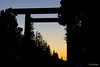 While heading to dinner, we passed by the shrine again. The open space afforded us a view of the western sky, with its seamless gradation from blue to orange and striking silhouette of a toiri gate framing the statue of a solitary figure, Ōmura Masujirō.