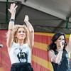 Kimberly Schlapman (L), & Karen Fairchild, (R)