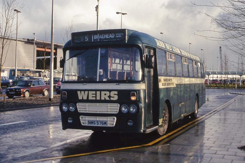 Weir Clydebank NMS576M Braehead Shopping Centre Apr 00