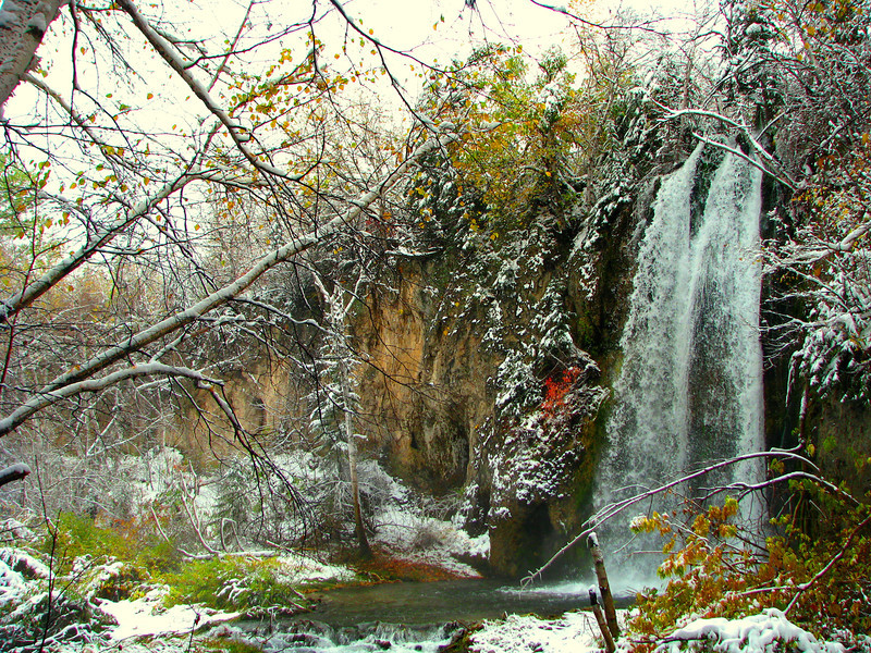 Fresh snow near Spearfish Falls