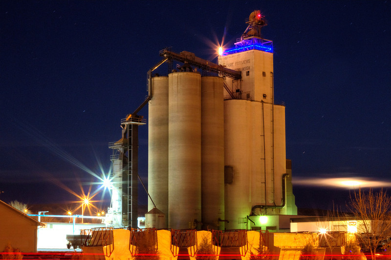 Grain elevator in Pierre