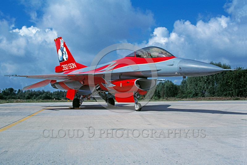 EE-F-16Forg 00047 A static red Lockheed Marting F-16 Fighting Falcon Belgium Air Force jet fighter 350 Sqn 6-1997 military airplane picture by Joop de Groot