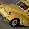 Vanguards 1/43 Morris Minor van