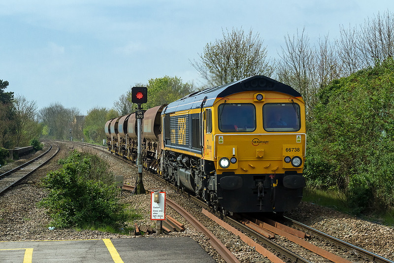 17th Apr 14:  Now at Chippenham 66738 is running a couple of minutes late with the Westbury to Stud Farm empty Auto Balasters