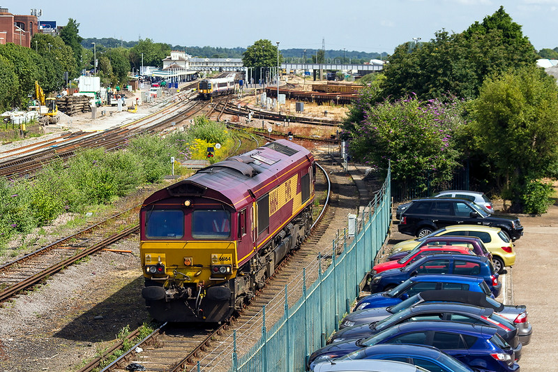 2nd Jul 14:  66164 slowly drifts along the line that leads to the  Eastleigh Depot.  I have no idea what it had worked prior to this.
