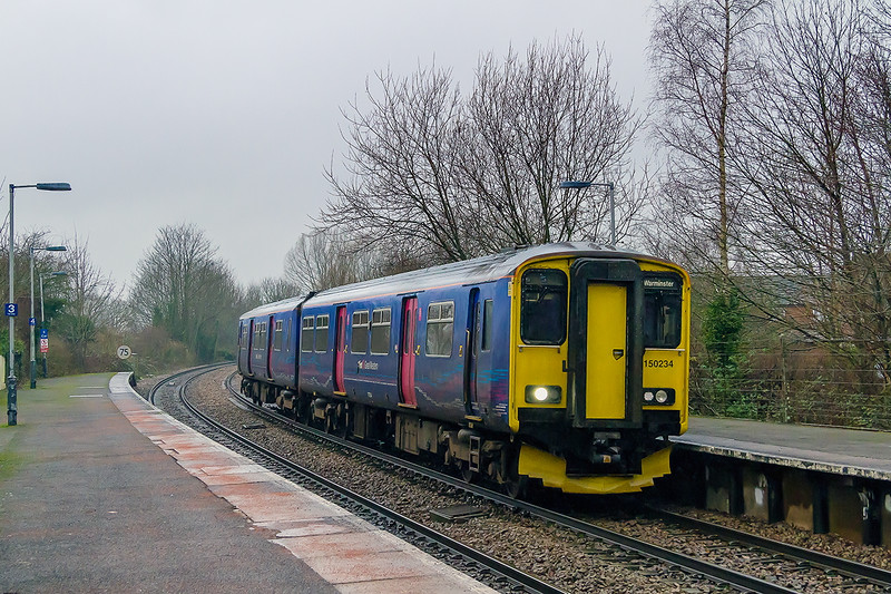 1st Jan 2015:  Taken as an exposure check for the following departmental headed by 59203 on 6O41 from Westbury to Eastleigh, it turned out to be my only shot.  150234 on 2F94 the 10.06 Westbury to Warminster and return.  What went wrong ?  With nothing showing on RTT it actually ran 4 minutes early and my view was blocked by the unit that had changed platform and was about to depart to Westbury.  Had it been on time.......!