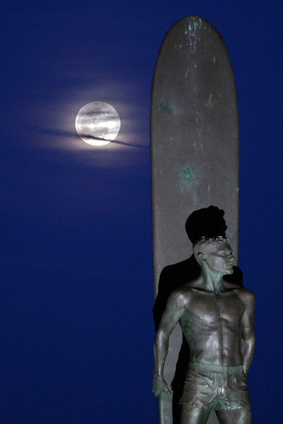 Surf under the Moon light