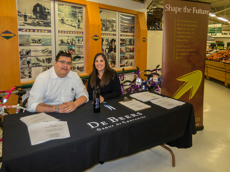 Tyson Wesley and Priscilla Linklater at Northern Store in Moosonee collecting survey responses.