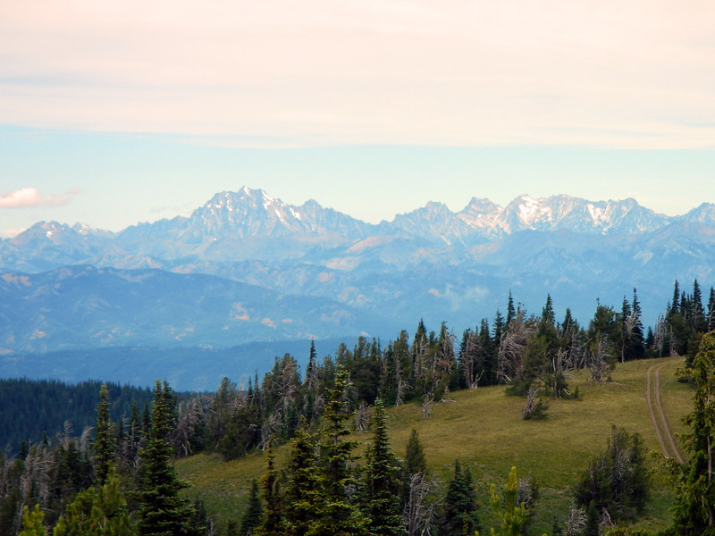Alpine Lakes Wilderness from Quartz Mountain