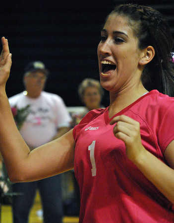 mt p vball pink game 006