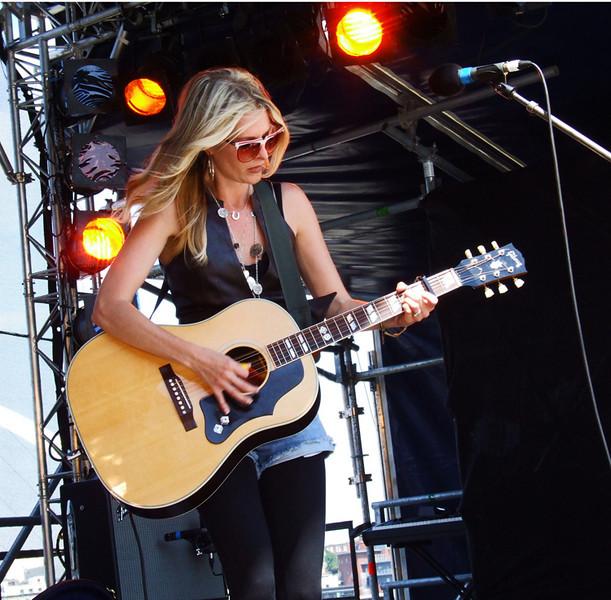 Elizabeth Cook @ SummerTyne Festival 2009