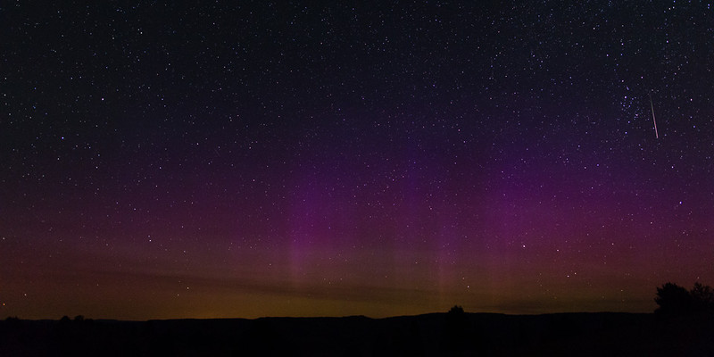 Northern lights and sporadic meteor over Ritter, Oregon