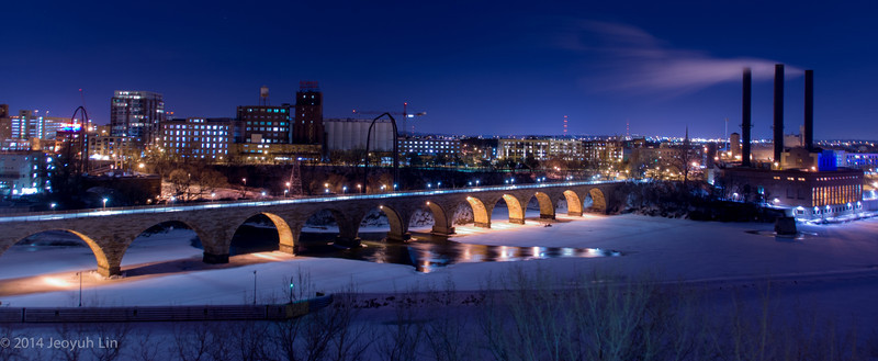 Historical Stone Bridge across the Mississippi, where the roots of Minneapolis as a wheat milling city is well preserved. Photo taken at 10pm.