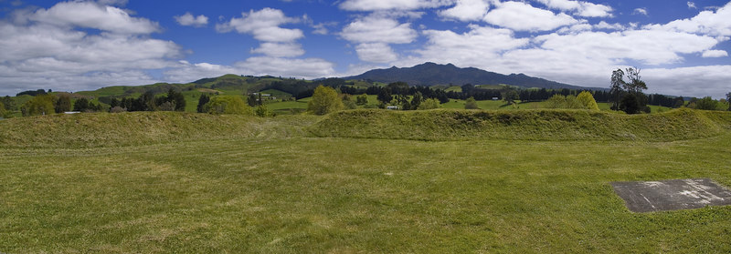 Mt Pirongia from the Alexandra Redoubt<br /> Pirongia<br /> Waikato<br /> New Zealand - 26 Oct 2006