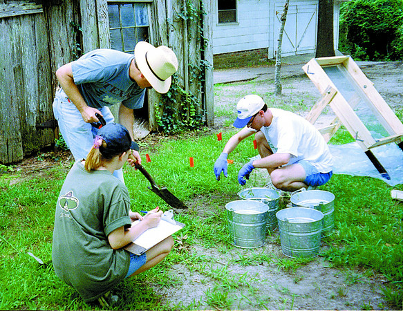 Archaeological dig in Jacksonville. Toni photo.