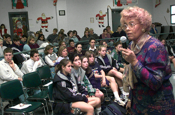 Date:   12/9/98---Dr Granville speaks to students Wednesday afternoon at Trinity School of Texas in Longview. Kevin green