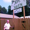 Date:   7/17/98---Clark Sexton gets ready to enter the new women's shelter, Hope Haven. The shelter is a ministry for homeless women.  Jessica Williamson