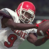8/24/99---Kilgore High School receiver Jonathan Thompson takes in a pass during practice Tuesday. bahram mark sobhani