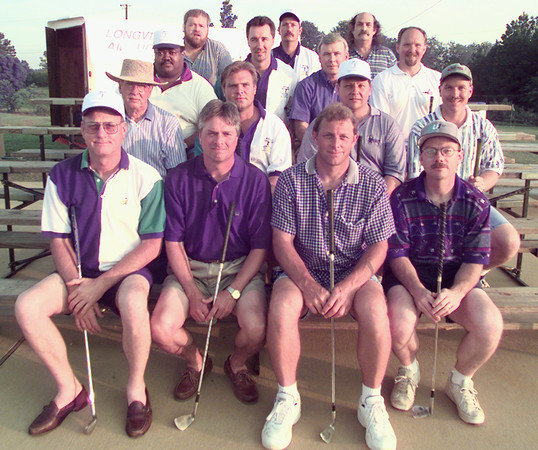 5/15/99---Some of the 25 Longview finals qualifiers for the Eisenhower Million Dollar Hole-In-One contest pose at the Alpine Target Golf Center. bahram mark sobhani