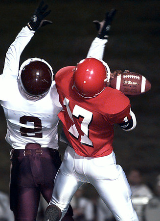11-11-99---Waller's #2 covers kilgore's #17 while catching a pass in the first half of play in Nac. Kevin Green