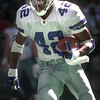 11-15-99---Dallas Cowboys #42 Chris Warren runs with the ball during the 99 season. Kevin GReen