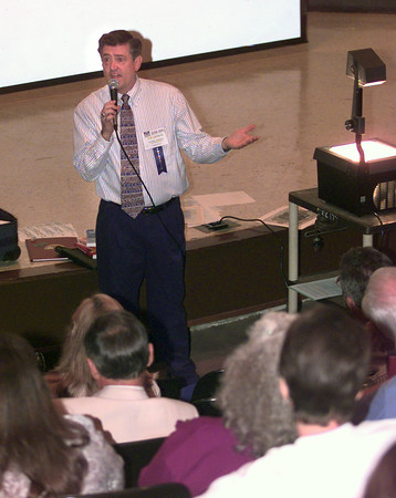 9/13/99---Tom Jackson, speaks to a group gathered at First Baptist Church for the East Texas Network for Children Training Conference Monday morning in Longview. Kevin Green