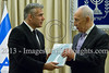 Finance Minister Lapid presents budget to President Peres