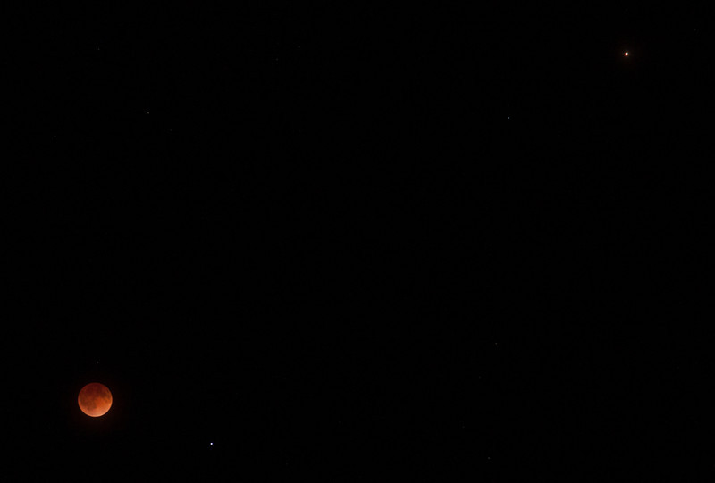2014 Lunar Eclipse — Moon, Spica, and Mars