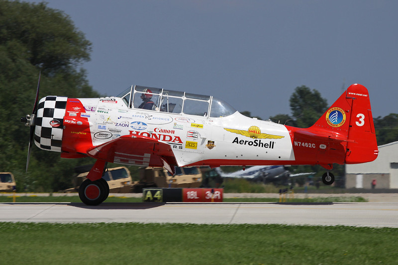 "N7462C (3) North American AT-6F Texan c/n 121-43211 Oshkosh/KOSH/OSH 26-07-10 ""Aeroshell Aerobatic Team"""