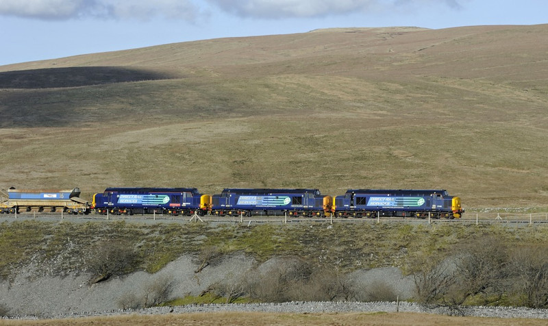 37405, 37423 Spirit of the Lakes & 37610 T S (Ted) Ted Cassady (DIT), 6K05, Ribblehead, Fri 28 February 2014 - 1436 2