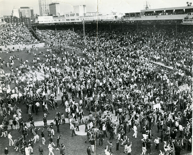 Red Sox beat Minnesota to win pennant, October 1st, 1967