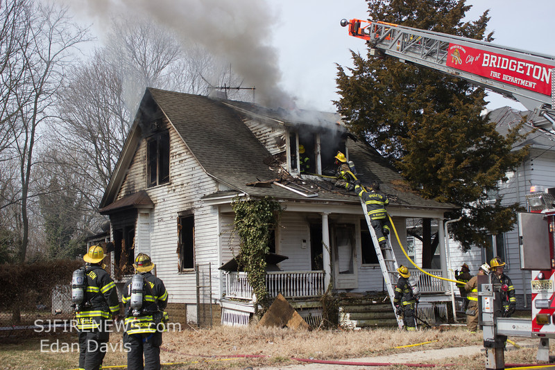 03-16-2014, Dwelling, Bridgeton City, 260 South Ave  (C) Edan Davis, www sjfirenews (78)