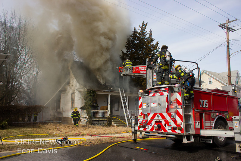03-16-2014, Dwelling, Bridgeton City, 260 South Ave  (C) Edan Davis, www sjfirenews (7)