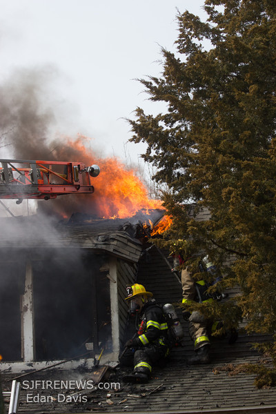 03-16-2014, Dwelling, Bridgeton City, 260 South Ave  (C) Edan Davis, www sjfirenews (73)